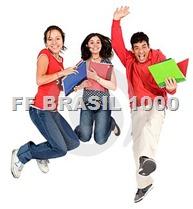 estudantes sorrindo